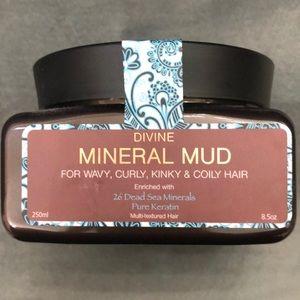 Saphira divine mineral Mud